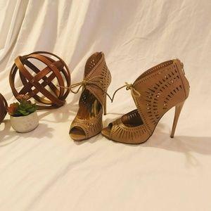 Shoes - Brown Heels size 7m (3 inch heel)